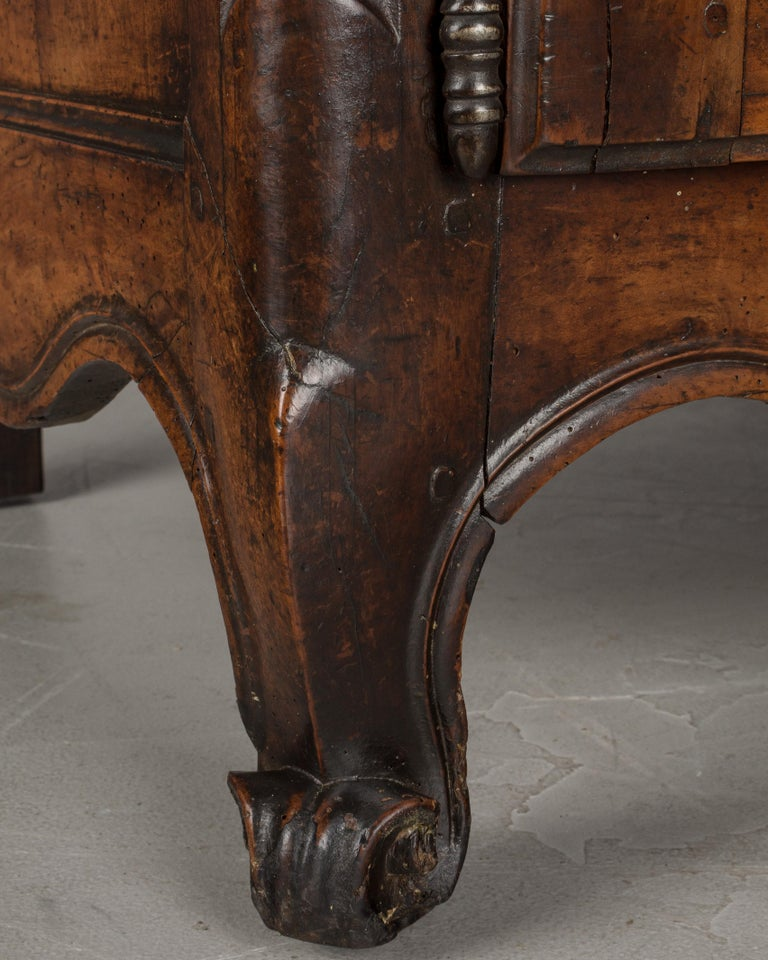 Country French Louis XV Style Buffet or Sideboard For Sale 4