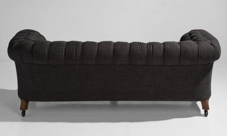 19th Century Country House Chesterfield Sofa, England, circa 1890 For Sale