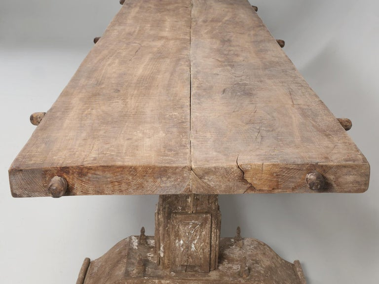 Country Italian Massive Size Dining Table Still in its Original Rustic Finish For Sale 7