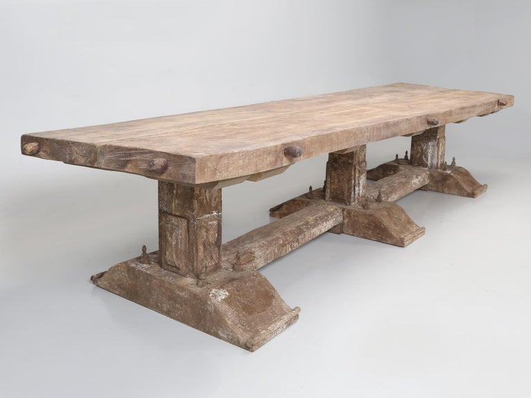 Country Italian Massive Size Dining Table Still in its Original Rustic Finish In Good Condition For Sale In Chicago, IL