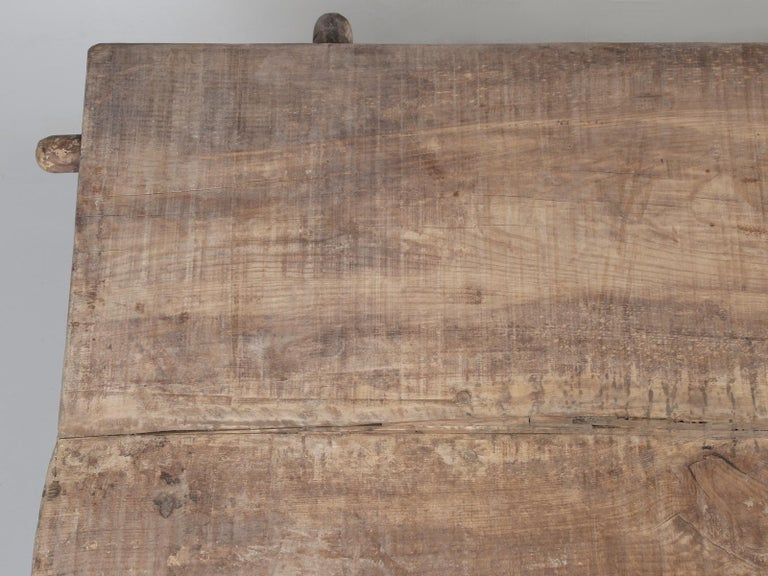 Country Italian Massive Size Dining Table Still in its Original Rustic Finish For Sale 3