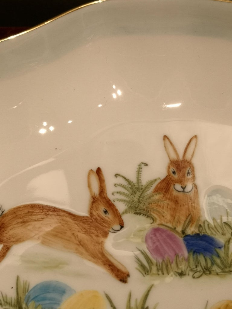 These completely handmade porcelain pastry dish is hands-free painted with a charming easter decor with rabbits and colored eggs. Rimmed by hand with a Fine 24 carat gold line. Handmade in Bavaria / Germany.