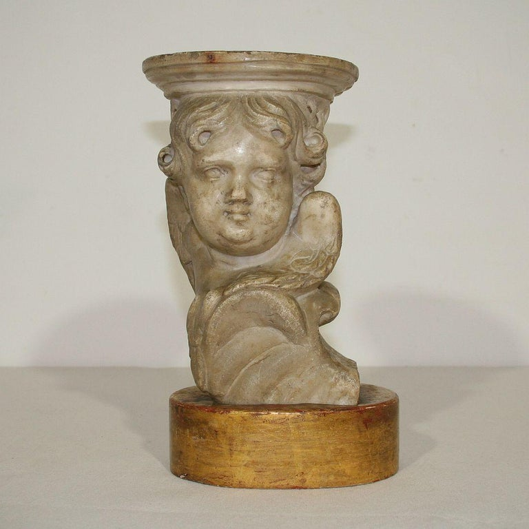 Couple of 17th-18th Century Italian Marble Angels For Sale 6