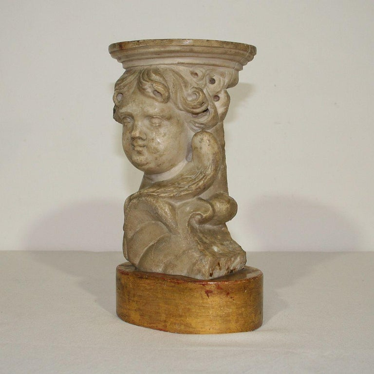 Couple of 17th-18th Century Italian Marble Angels For Sale 8