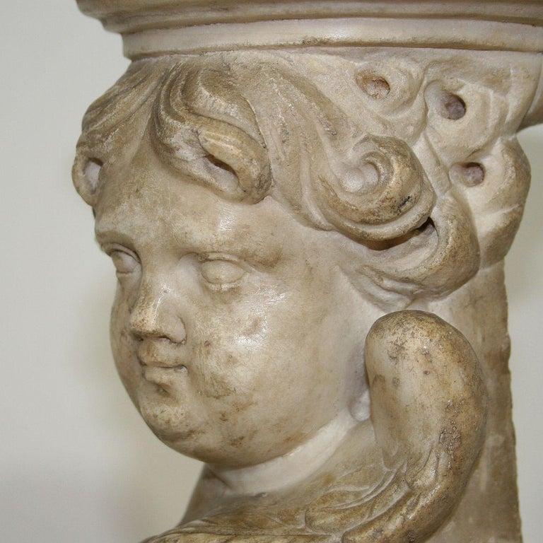 Couple of 17th-18th Century Italian Marble Angels For Sale 13