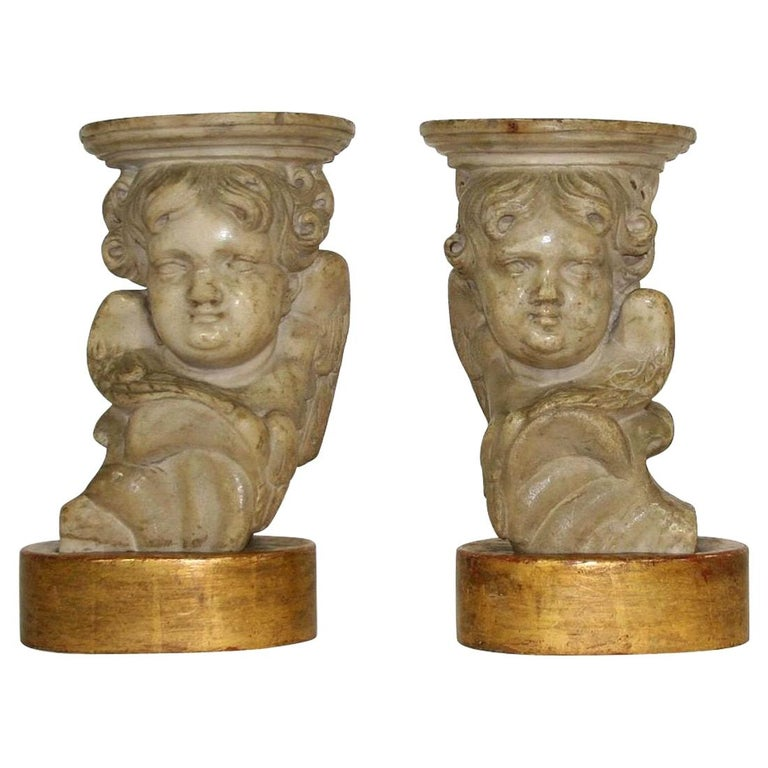 Couple of 17th-18th Century Italian Marble Angels For Sale