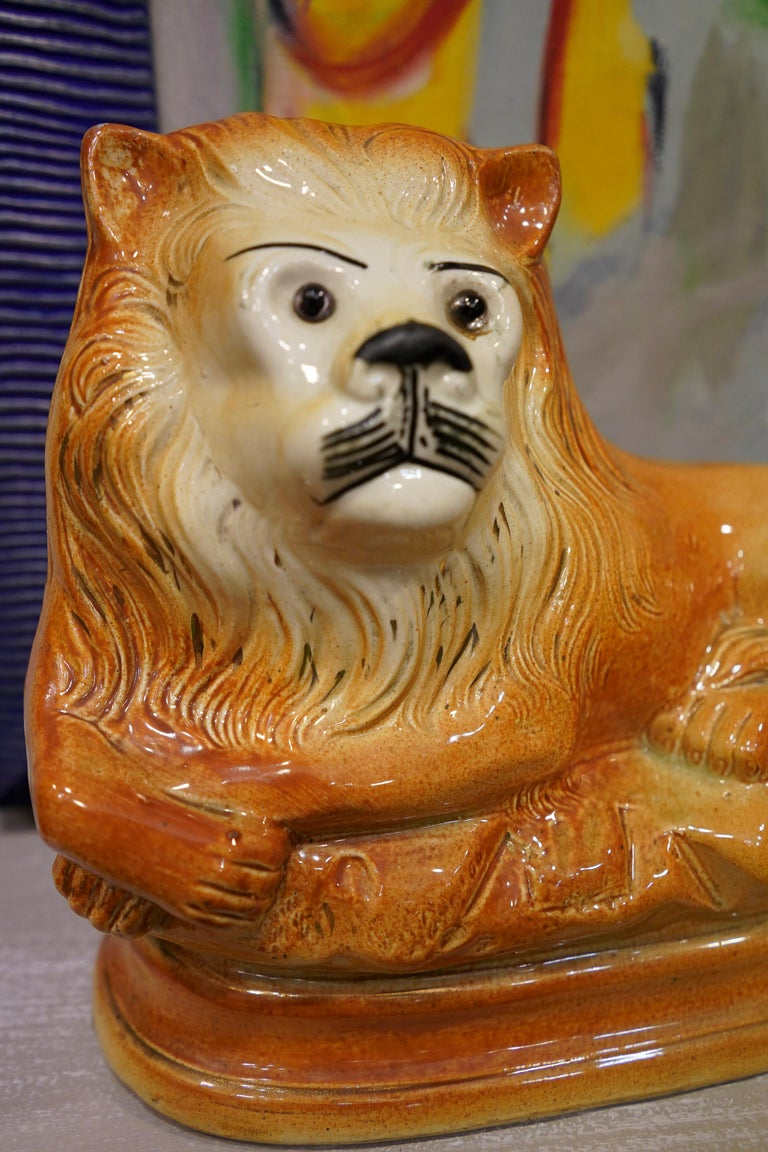 Hand-Crafted Couple of English Cinnamon Ceramic Lions Staffordshire Manufacture, Crystal Eyes For Sale