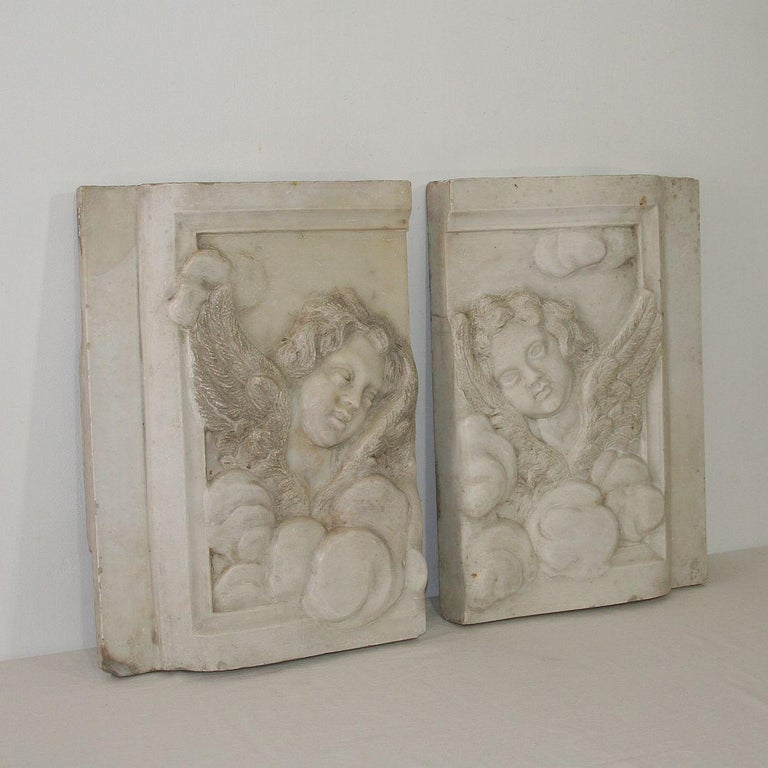 Hand-Carved Couple of Italian 18th Century Baroque Marble Angel Panels For Sale