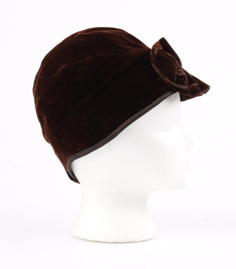 COUTURE c.1920's Dark Brown Ruffle Tortoiseshell Crystal Deco Velvet Cloche Hat In Good Condition For Sale In Thiensville, WI