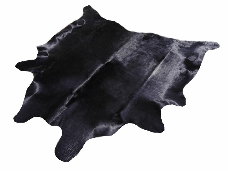 Cowhide Rug Black Large Size In New Condition For Sale In Lohr, Bavaria, DE