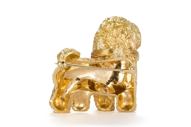 Craig Drake 18 Karat Yellow Gold and Ruby Dog Brooch In Excellent Condition For Sale In Tustin, CA