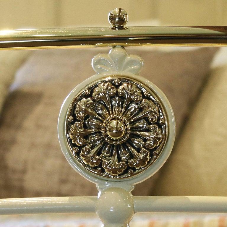 Cream Antique Bed MK199 For Sale 2