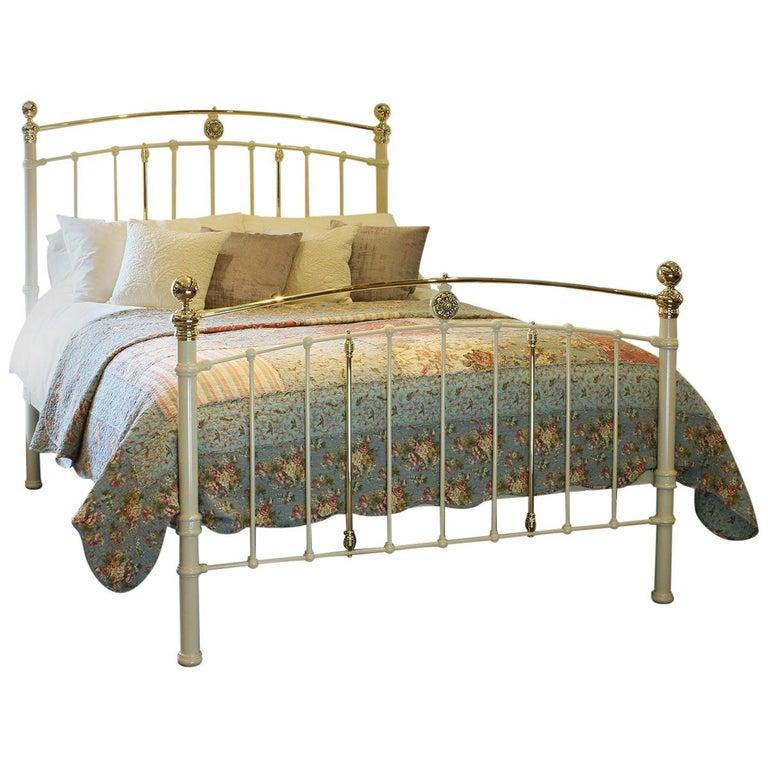 Cream Antique Bed MK199 For Sale