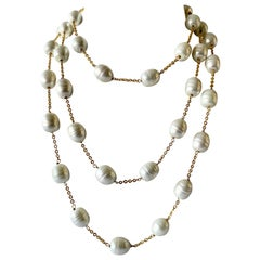 "Cream Color ""pate de verre"" Pearl Gilt Necklace"