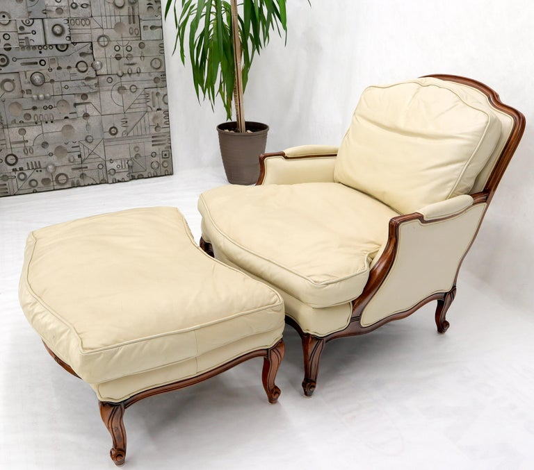 Cream Leather Chaise 2-Part Chaise Lounge Chair and Ottoman For Sale 4