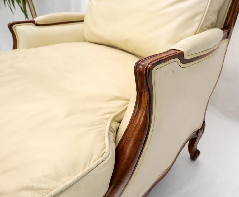 Cream Leather Chaise 2-Part Chaise Lounge Chair and Ottoman For Sale 6