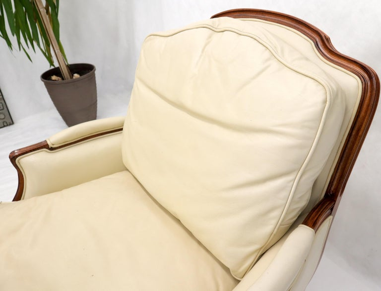 Cream Leather Chaise 2-Part Chaise Lounge Chair and Ottoman For Sale 7