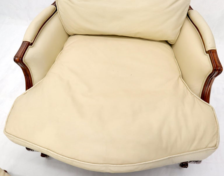 Cream Leather Chaise 2-Part Chaise Lounge Chair and Ottoman For Sale 8