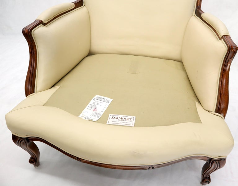 Cream Leather Chaise 2-Part Chaise Lounge Chair and Ottoman For Sale 10