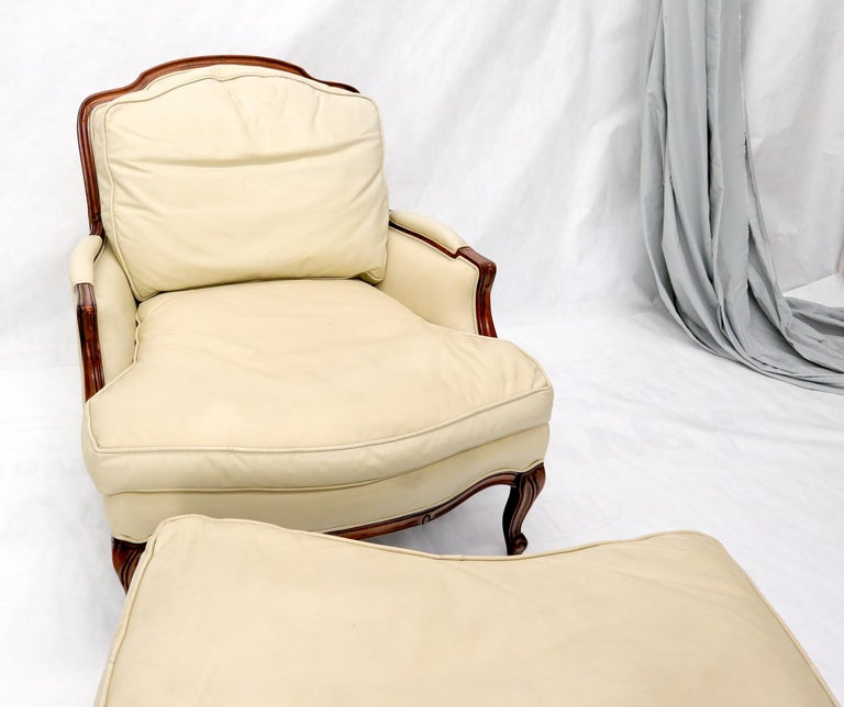 20th Century Cream Leather Chaise 2-Part Chaise Lounge Chair and Ottoman For Sale