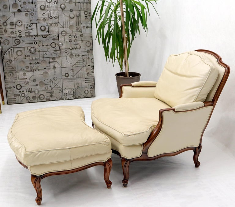 Cream Leather Chaise 2-Part Chaise Lounge Chair and Ottoman For Sale 3