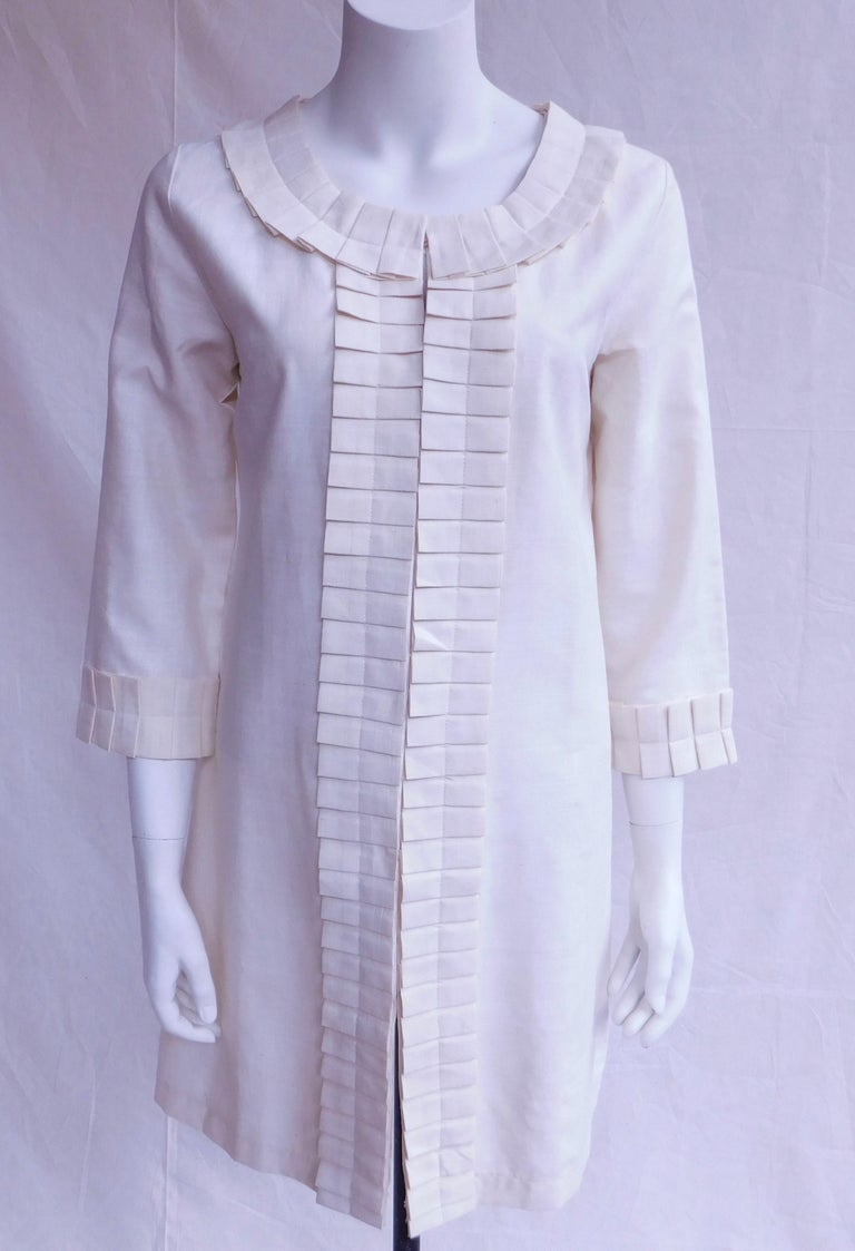 Cream Silk Jacket with Pleated Details Anauve of Madrid Spain For Sale 1