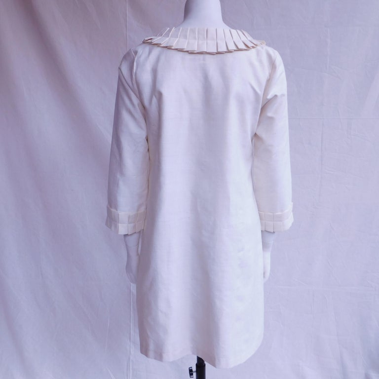 Cream Silk Jacket with Pleated Details Anauve of Madrid Spain For Sale 4