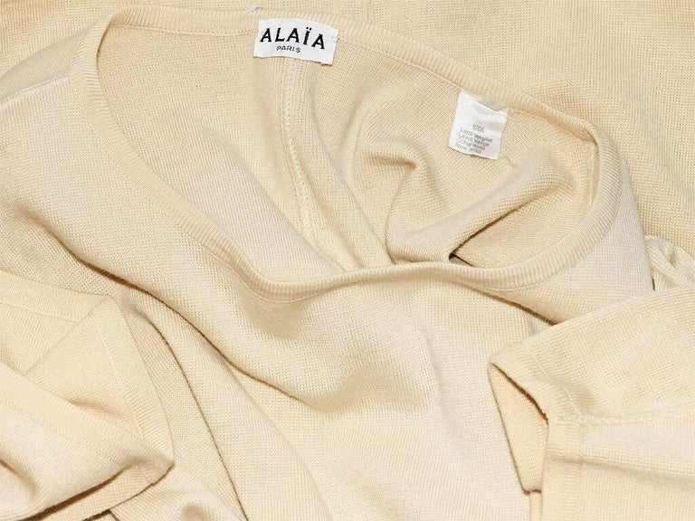Cream Vintage Alaia Oversized Wool Sweater In Good Condition For Sale In New York, NY