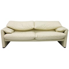 Cream White 2-Seat Leather Sofa Maralunga by Vico Magistretti 1973 Cassina