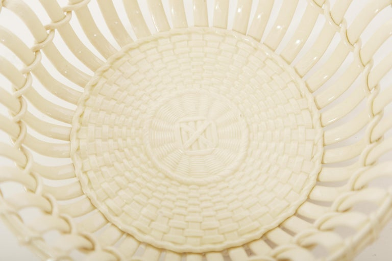 Wedgwood Period Creamware Chestnut Basket In Good Condition For Sale In West Palm Beach, FL