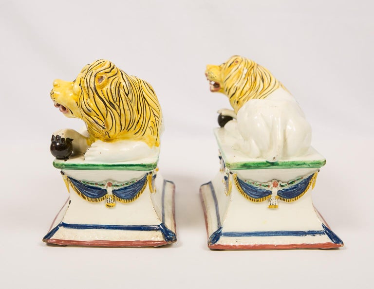 Antique French Creamware Lions 18th Century For Sale 1