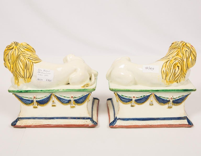 Antique French Creamware Lions 18th Century For Sale 4