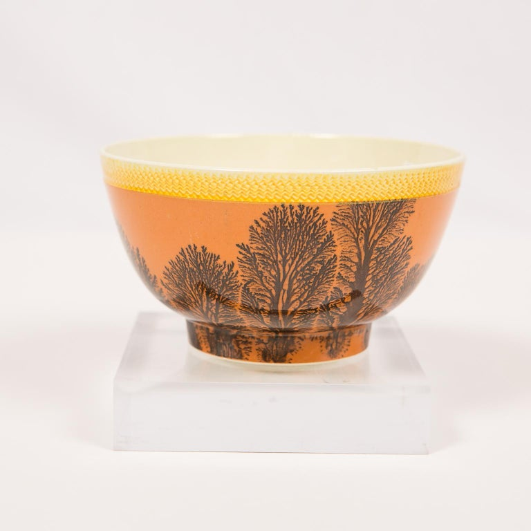 Creamware Mochaware Bowl Decorated with Trees circa 1800 For Sale 5