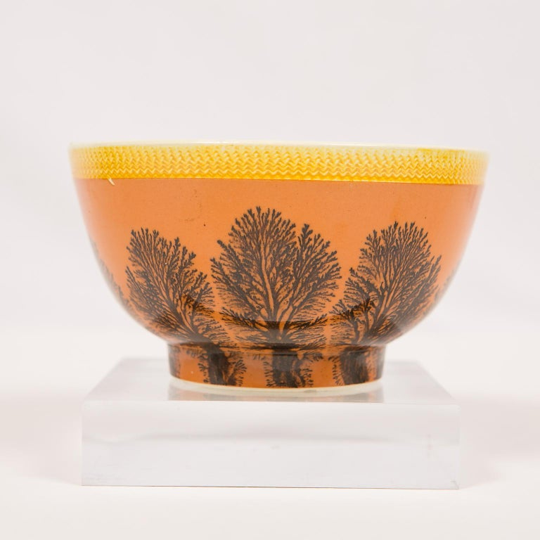 Creamware Mochaware Bowl Decorated with Trees circa 1800 For Sale 1