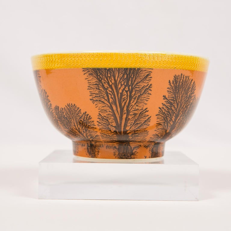 Creamware Mochaware Bowl Decorated with Trees circa 1800 For Sale 2