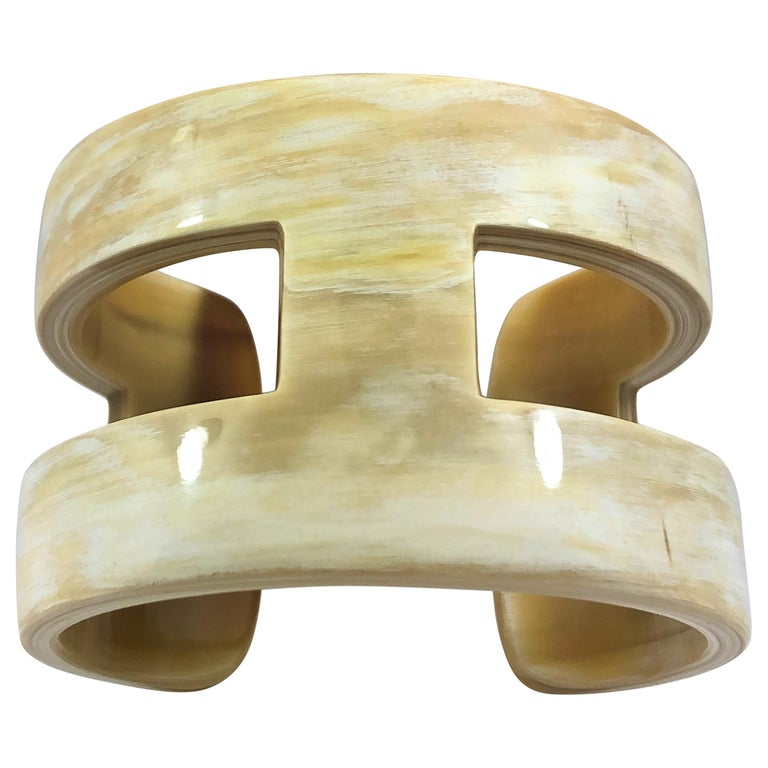 """Creamy White """"H"""" Style Horn Cuff or Bangle with Natural Characteristic Graining For Sale"""