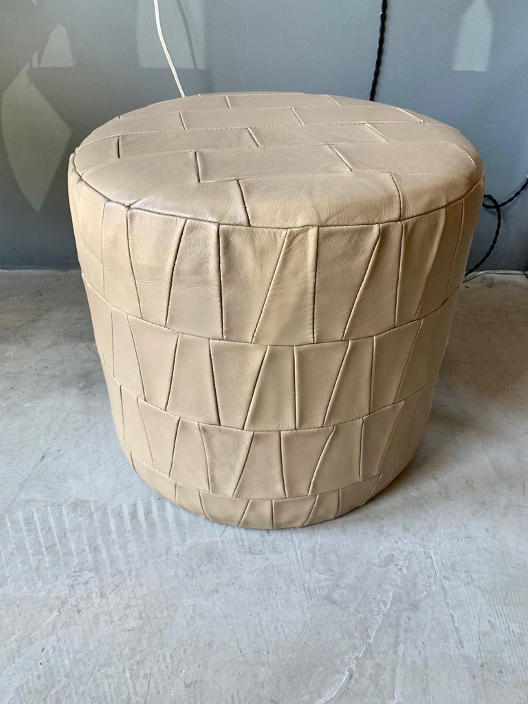 Crème Leather Patchwork Ottoman by De Sede In Good Condition For Sale In Los Angeles, CA