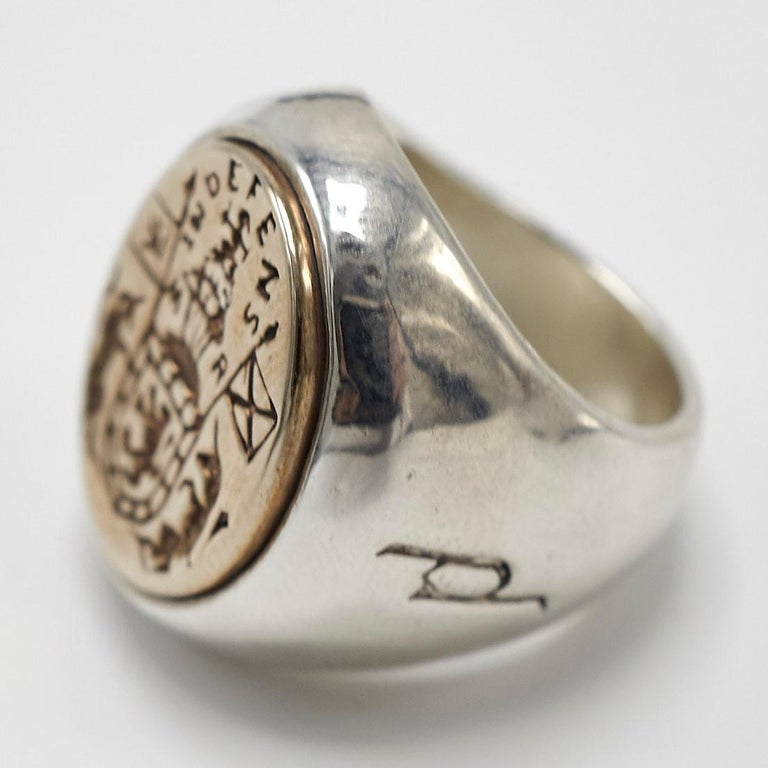 Crest Signet Ring Sterling Silver Gold Queen Mary Crest Lion Unicorn J Dauphin In New Condition For Sale In Los Angeles, CA