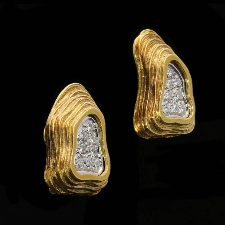 Crinnan Jewellery Ltd Pavé Diamond 18 Carat Gold Abstract Design Earrings In Good Condition For Sale In London, GB