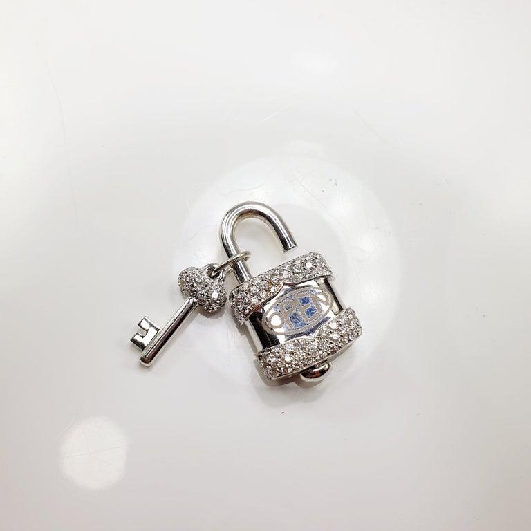 Brilliant Cut Crivelli Charm Link Lock Pendant or Closure 18 Karat Gold Diamonds Open Close For Sale