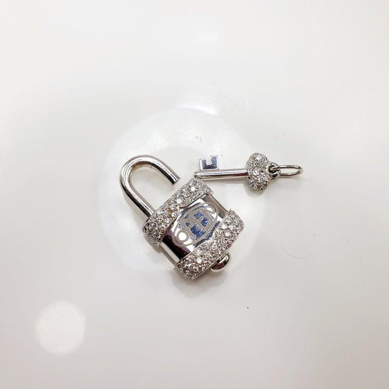 Crivelli Charm Link Lock Pendant or Closure 18 Karat Gold Diamonds Open Close For Sale 1