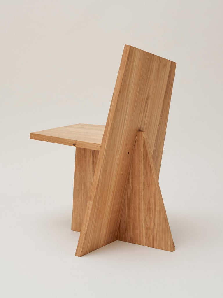 The absence of 90° angles and symmetries – this is the concept of The Crooked Collection. Handmade in Berlin, Germany, each piece is unique and different to the rest. The massive oak gives the piece a premium finish and provides a warm contrast to