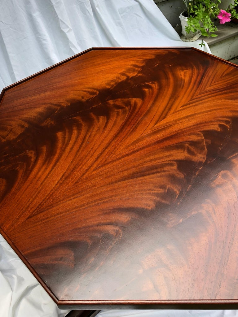 Unknown Crotch Mahogany Sheraton-Style Octagonal Table For Sale