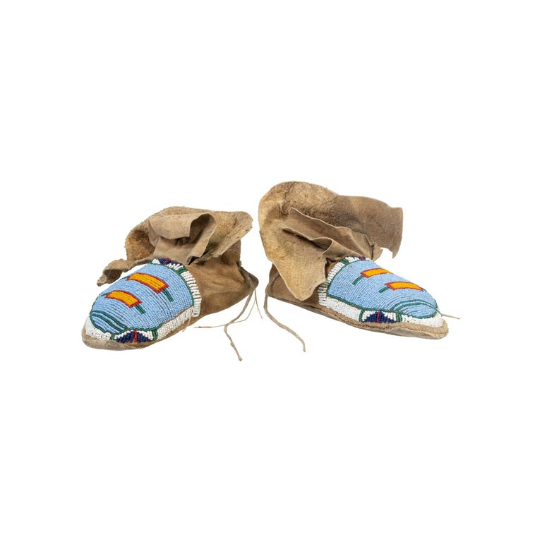 American Crow Youth Beaded Moccasins