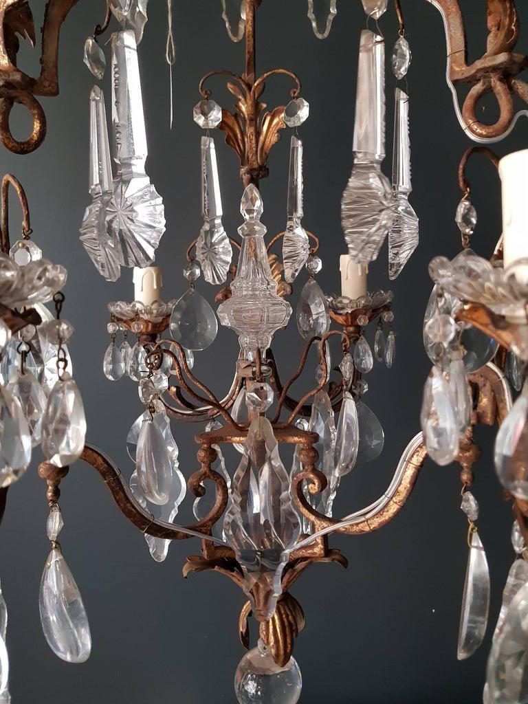 Antiker schwerer Kronleuchter aus Messing und Kristallglas 9