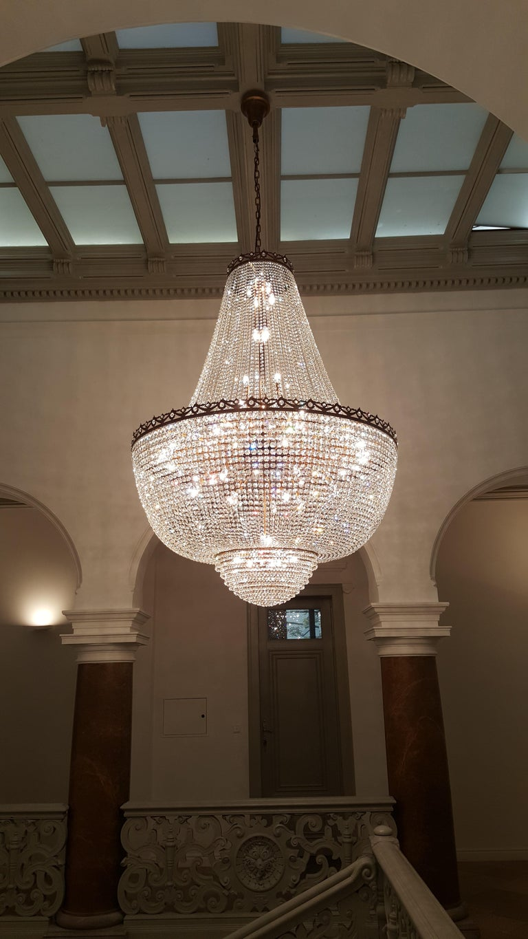 Crystal Chandelier Empire Sac a Pearl Big Large Palace Lamp Chateau Lustre In Excellent Condition For Sale In Berlin, DE