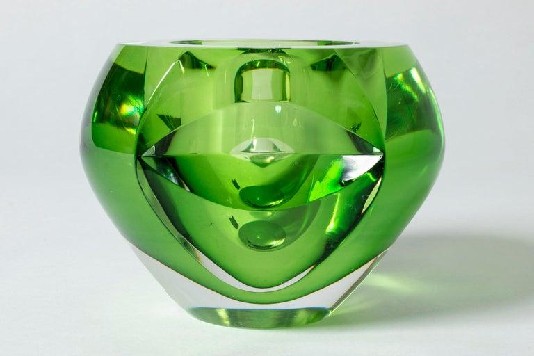 Swedish Crystal glass bowl by Mona Morales-Schildt For Sale