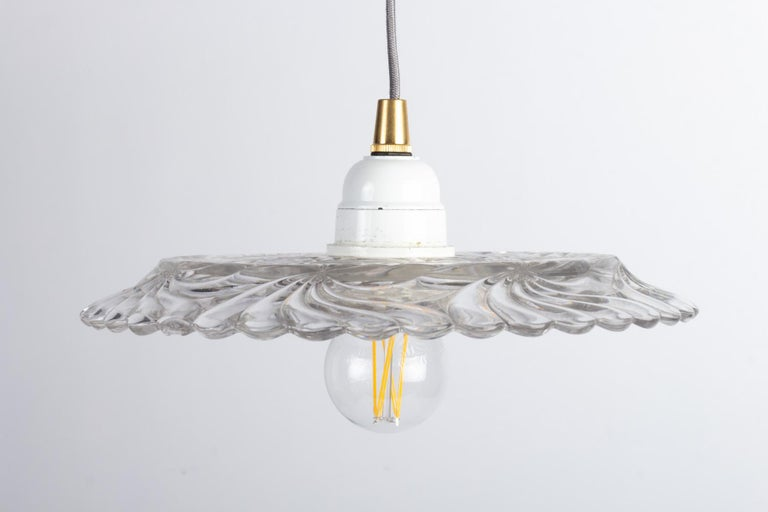 Crystal hanging lamp, early 20th century. Measures: H 10 cm, D 22 cm.