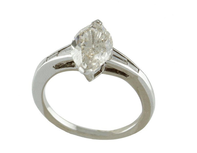 ct 2,20 Diamond White Gold Solitaire Ring For Sale 2