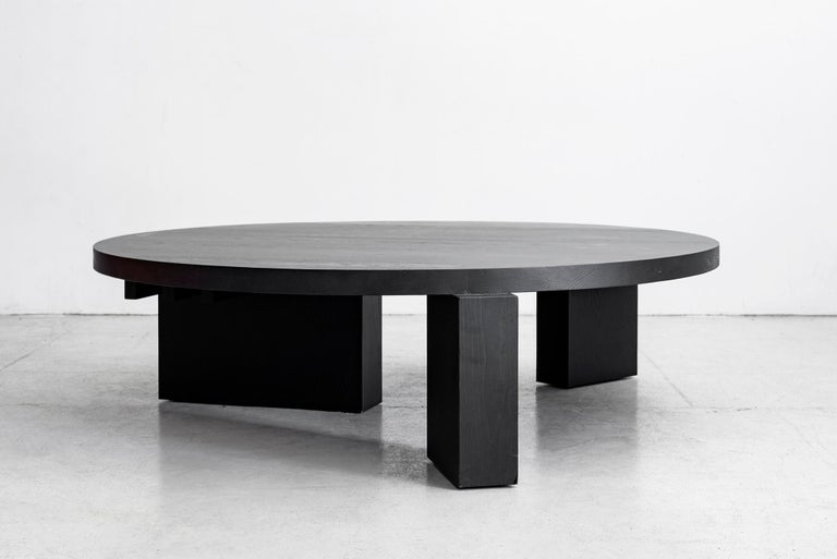 Cubist Round Coffee Table by Orange For Sale 1